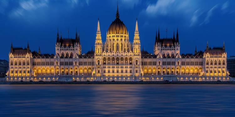 La Hongrie signe un achat massif de missiles aux États-Unis